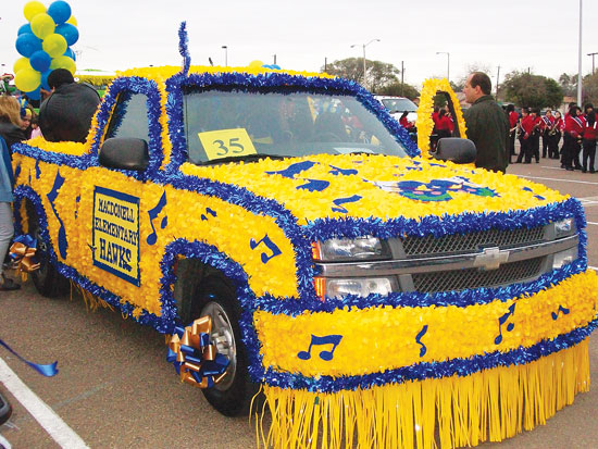 Floral Sheeting - Photo Gallery: Parade Floats